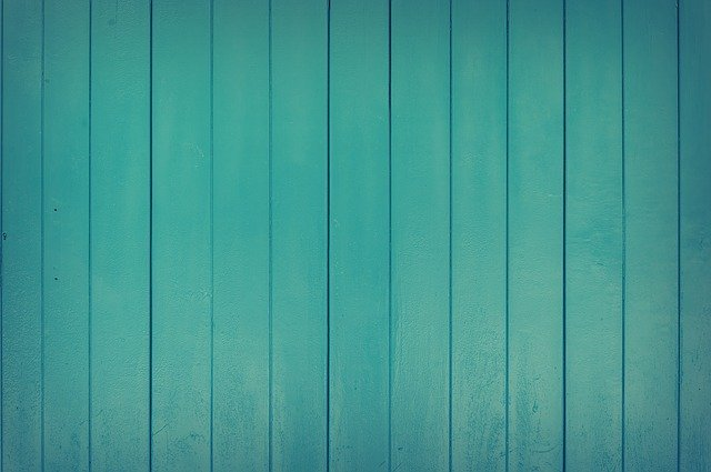 drewniana ściana